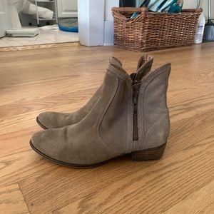 Seychelles Grey suede booties